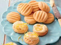 In net sewe stappe kan jy hierdie maklike resep maak! Baking Recipes, Cookie Recipes, Dessert Recipes, Baking Ideas, Yummy Recipes, Biscuit Cookies, Biscuit Recipe, Milk Cookies, Baking Cookies