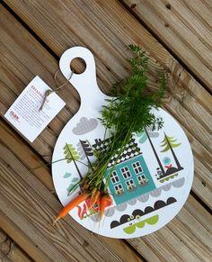 Baby carrots on Tingleby breadboard. isak - beautiful happy things