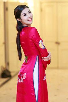Kiểu tóc mặc áo dài đẹp duyên dáng của Sao Việt 2016 phần 12