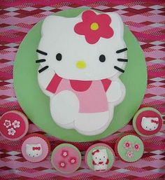 Hello Kitty cake and cupcakes by Hana Rawlings of A Piece of Cake