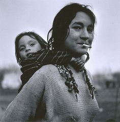 *Calderari Gypsy Woman and Child, Sintesti, Romania, Jeremy Sutton-Hibbert
