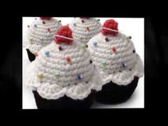How to make a crochet cupcake hat - YouTube