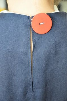 back closure without zipper
