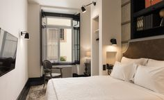 I want to go!! The Portuguese capital is on a roll right now, with new hotels opening. The latest is AlmaLusa Baixa-Chiado, a boutique hotel tucked into a charming corner, offering a slice of history and rooms with a view from within its 18th century frame. Onc...