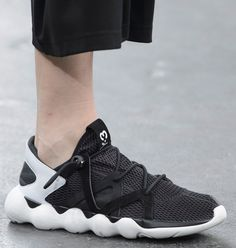 Details we like / Soft Goods / Tech wear / Sneaker / White / Black /  at huthor: Y-3 s/s 16 - Techwearist