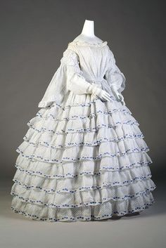 Day dress, 1850's  From the Kent State University Museum Pinterest  - See more at: http://fripperiesandfobs.tumblr.com/post/64030147324/day-dress-1850s-from-the-kent-state-university#sthash.KWwEnCO8.dpuf