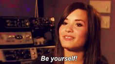 """Remember Demi Lovato before she was """"Cool For The Summer?"""" When she was a young child actor passing time between classes in As The Bell Rings with that cute gap between her front teeth? BECAUSE I DO AND THINKING ABOUT HER MAKES MY HEART MELT. 