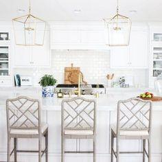 Farm Kitchen Ideas, Home Decor Kitchen, Kitchen Design, Kitchen Tips, All White Kitchen, White Kitchen Cabinets, New Kitchen, Vintage Kitchen, Kitchen Wood