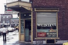 Wilensky (restaurant) – Mémoire du Mile End Quebec Montreal, From Here To Eternity, Canada, Time Travel, Restaurant, Julia Roberts, Photos, City, Places