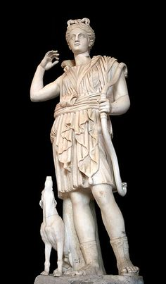 Artemis (Diana). Marble, Roman copy of a Greek statue. - Galleria dei Candelabri - Vatican Museums.