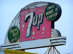 7up Old Neon Signs, Vintage Neon Signs, Old Signs, Advertising Signs, Vintage Advertisements, Vintage Ads, Vintage Posters, Retro Signage, Business Signs