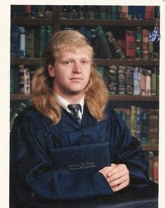 The mullet is a hairstyle that is short at the front and sides and long in the back. Mullets were used by rock stars Rod Stewart, David Bo. Chuck Norris, Bad Hair Day, Big Hair, Brad Pitt, Mullet Haircut, Badass, Awkward Family Photos, Rides Front, Glamour Shots