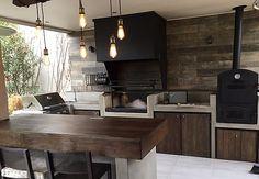 Backyard Design, Rustic House, Outdoor Kitchen Plans, Rustic Outdoor Fireplaces, Rustic Kitchen Design, Rustic Kitchen, House Rooms, Kitchen Design, Outdoor Kitchen Design Layout