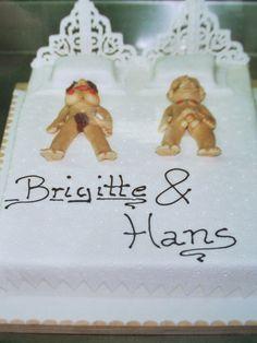 Die etwas andere Hochzeits-Torte! Im sahnigen Bett liegt es sich als Ehepaar einfach am besten.