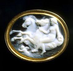 "camée, ""Bérénice IV, assimilée à Aphrodite"" (camée.54), BnF. Vers 50 av. J.C."