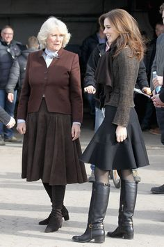 lovely outfit! and her hair is great. Princess Mary of Denmark.