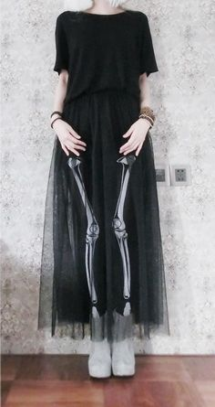 Sheer skirt matched with skeleton leggins. Dark Fashion, Grunge Fashion, Gothic Fashion, Looks Style, Style Me, Estilo Rock, Costume, Hipster, Soft Grunge
