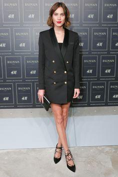 Alexa Chung H&M Balmain New York http://www.vogue.fr/mode/inspirations/diaporama/les-looks-des-clbrits-au-dfil-balmain-x-hm-new-york/23261#alexa-chung