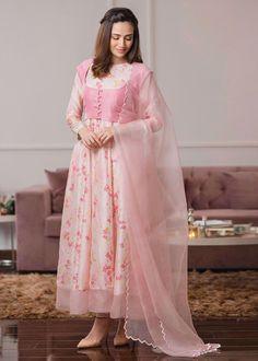 Beautiful Pakistani Dresses, Pakistani Dresses Casual, Eid Dresses, Pakistani Dress Design, Party Wear Dresses, Bridal Dresses, Casual Dresses, Simple Dresses, Pakistani Bridal