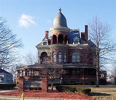 George Kingston was the inventor of the Kingston carburetor in 1902, in Kokomo, Indiana. He lived in the  Seiberling Mansion which is now home to the Howard County Historical Society.