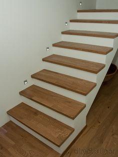 Oświetlenie stopni nie pozwoli upaść :) Stairs, Flooring, Home Decor, Stairway, Decoration Home, Room Decor, Staircases, Wood Flooring, Home Interior Design