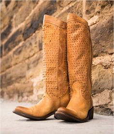 Cool boots by Independent Boot Company http://www.countryoutfitter.com/products/56788/?lhb=style&lhs=p