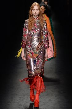 Milan Fall 2016 Trends | All-over sequins at Gucci RTW Fall 2016 #MFW [Photo: Davide Maestri]