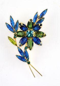 Vintage Juliana D and E Blue Green Rhinestone Flower Floral  Bouquet Brooch #JulianaDandEDelizzaAndElster