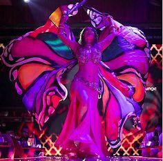 Динара. Яркий танец с крыльями бабочка!! Калейдоскоп цвета!! Яркое восточное шоу!