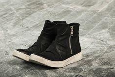 uk availability fe611 69697 315-2013-the-mac-double-zip-sneaker-1 John