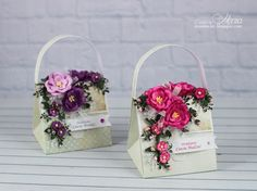 Torebeczki, Paper purse with paper flowers 3d Paper Crafts, Paper Gifts, Flower Cards, Paper Flowers, Heartfelt Creations Cards, Paper Purse, Happy Birthday Girls, Gift Wraping, Basket Crafts