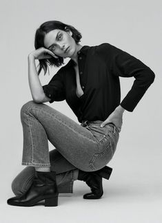 FK Jeans Fall-Winter 2018 Ad Campaign Filippa K Models: Maria Palm, Raith Clarke Photographers: Andreas Ohlund & Maria Therese Studio Photography Poses, Studio Poses, Fashion Photography Poses, Fashion Photography Inspiration, Photoshoot Inspiration, Girl Photography, Studio Studio, Editorial Photography, Studio Shoot