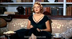 Rosemary Clooney Dark Green Velvet Cocktail Dress In White Christmas 1954 Old Hollywood Style, Hollywood Fashion, Golden Age Of Hollywood, Classic Hollywood, Rosemary Clooney, White Christmas Movie, Christmas Lodge, Christmas Movies, Forest Green Dresses