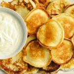Joghurtos minipalacsinta (oladuski) Snack Recipes, Cooking Recipes, Snacks, Pancake Dessert, Hungarian Recipes, Cake Cookies, Pancakes, Chips, Tasty