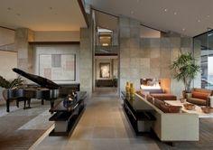 sala de estar contemporánea por los socios Swaback, PLLC