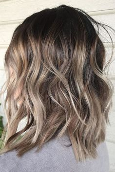 ash blonde balayage Ash blonde lob hairstyle for spring 2018 gradually transitions to light brown Cabelo Ombre Hair, Curly Hair Styles, Natural Hair Styles, Frontal Hairstyles, Lob Hairstyle, Blonde Hairstyles, Layered Hairstyles, Medium Hairstyles, Hairstyle Ideas