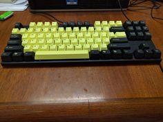 Work keyboard: Varmilo VA87MR with Bumblebee keycaps