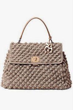 Muitas inspirações de bolsas lindas em crochê...