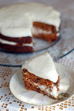 mokosha: carrot cake with cream cheese frosting