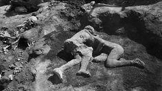 Две обнявшиеся фигуры в древних Помпеях оказались мужчинами