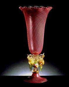cristal de murano 2 Exhibición de objetos de cristal de Murano, en Venecia Art Object, Sculpture, Hurricane Glass, Hand Blown Glass, Murano Glass, Decor Interior Design, Ceramic Art, Stained Glass, Glass Art