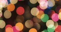 Eventos navideños en Grapevine, Texas. Grapevine, Texas, un suburbio del área de Dallas y Fort Woth es la reconocida Capital Navideña de Texas. Cada año, el pueblo tiene una variedad de eventos navideños como un desfile de botes, películas familiares relacionadas con esta fecha, musicales, paseos en tren y concursos de decoración. La mayoría de los eventos ocurren durante los fines de ...