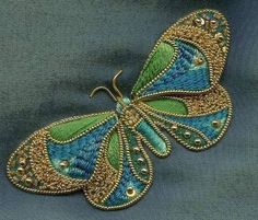 Goldwork butterfly - how beautiful Embroidery Keka❤❤❤ Aari Embroidery, Butterfly Embroidery, Hand Embroidery Designs, Embroidery Stitches, Embroidery Patterns, Gold Work, Embroidery Techniques, Bead Art, Butterflies