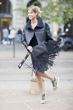 Helena Bordon at Milan Fashion Week Spring Fall Fashion Outfits, Love Fashion, Retro Fashion, Autumn Fashion, Chic Outfits, Paris Fashion, Fashion Trends, Milan Fashion Week Street Style, Street Style Looks