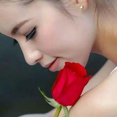 """Foto: """"Qual a diferença entre """"eu gosto de você"""" e """"eu amo você""""? Lindamente respondido por Buddha: Quando você gosta de uma flor, você a arranca. Quando você ama uma flor, você a rega todos os dias. Quem entende isso, entende a vida."""""""