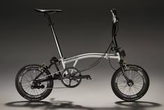 Joseph Kuosac with Joseph Kuosac Brompton Team Bicicleta Brompton, Bike Gang, Velo Vintage, Folding Bicycle, 20 Inch Wheels, Balance Bike, Cool Bike Accessories, Mini Bike, Bike Design