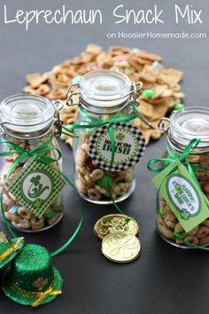 Leprechaun Snack Mix   Recipe on HoosierHomemade.com
