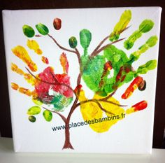 Child manual activity: tree with footprints - Présentation des Plats Fall Crafts For Kids, Art For Kids, School Art Projects, Projects To Try, Footprint Crafts, Finger, School Supplies, Plastic Cutting Board, Scrapbook