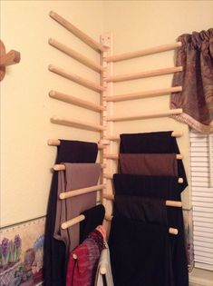 Homemade trouser rack pants rack, family closet, scarf rack, walk in closet, Space Saving Furniture, Diy Furniture, Furniture Design, Bedroom Door Decorations, Room Decor, Master Closet, Closet Bedroom, Family Closet, Pants Rack