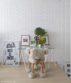 Como não amar essa cadeira quentinha? Veja mais em www.historiasdecasa.com.br #todacasatemumahistoria